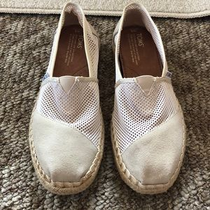 Toms Cream color espadrilles